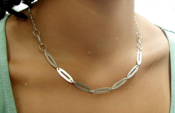 contemporary silver necklace silvene