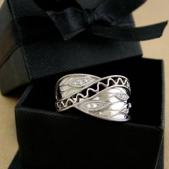 autumn leaves diamonds ring