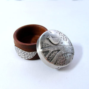 Keepsake box in silver and wood
