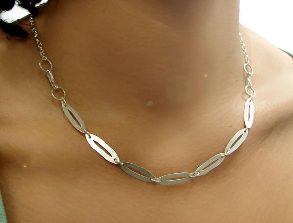 contemporary silver necklace silvene