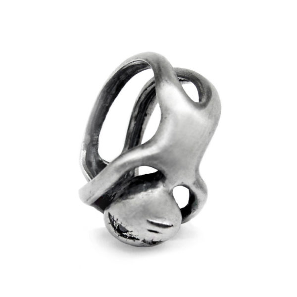 face ring silver black diamonds